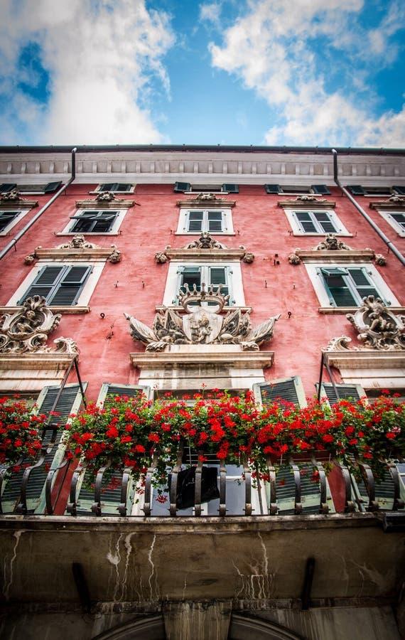 'Del Medico 'slott, historisk byggnad i Carrara, Tuscany, Italien royaltyfri foto