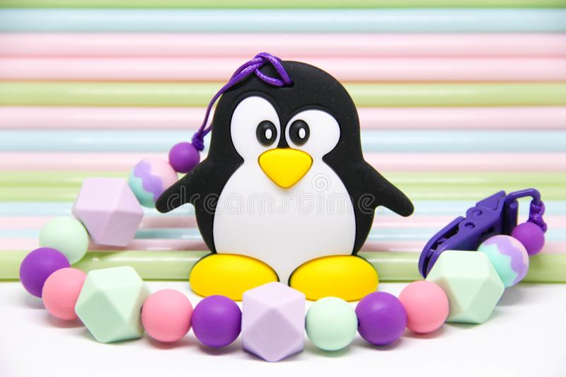 ` del pinguino del ` di Teether immagine stock