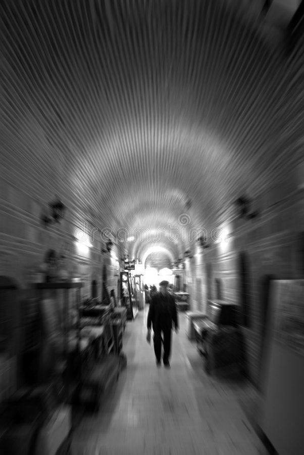 Del túnel ligero profundo imagenes de archivo