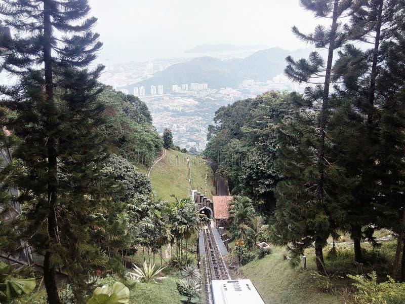 Del tren colina abajo imagenes de archivo