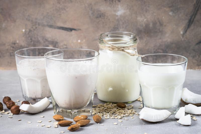 Del vegano leche alternativa de la lecher?a no imagenes de archivo
