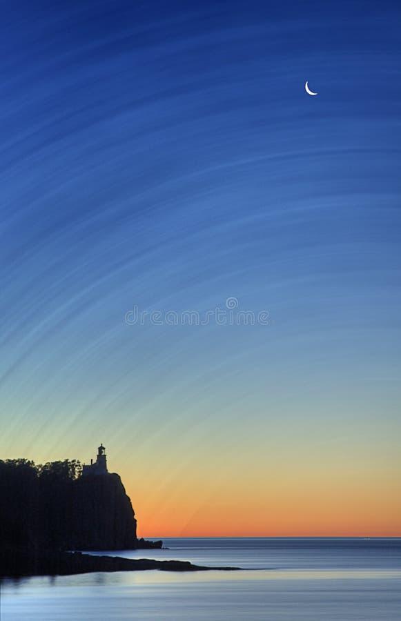 delad soluppgång för fyrrock royaltyfria bilder
