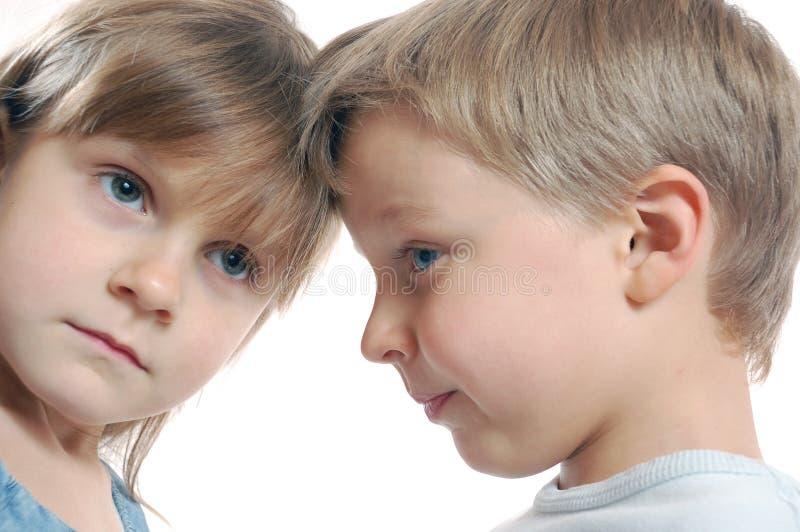 delade barnvänner arkivbild