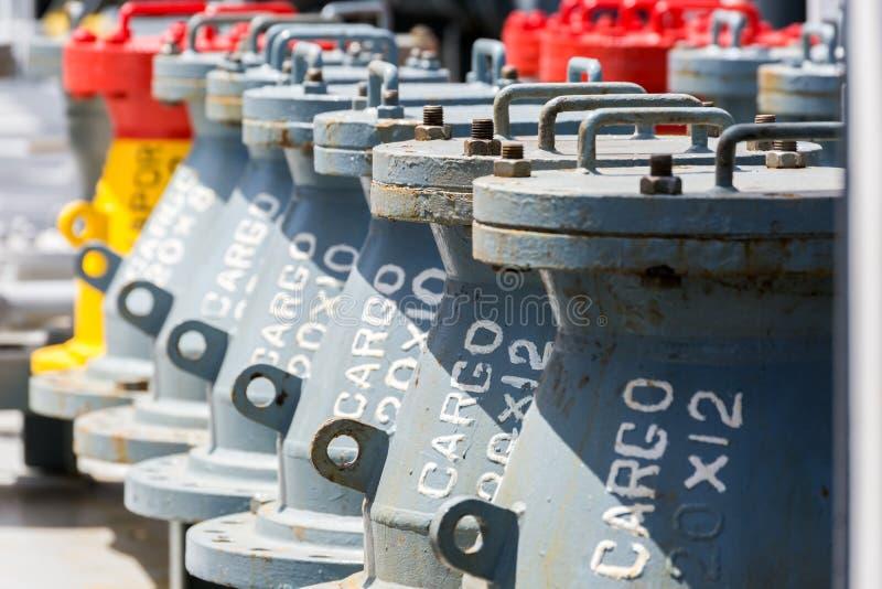 Delar av den olje- rörledningen för last royaltyfria bilder