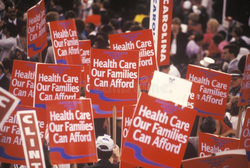 Delegados para cuidados médicos da família na celebração presidencial das 1992 convenções Democráticas em Madison Square Garden,  foto de stock royalty free
