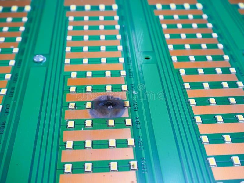 Delelektronik kortsluter arkivfoto