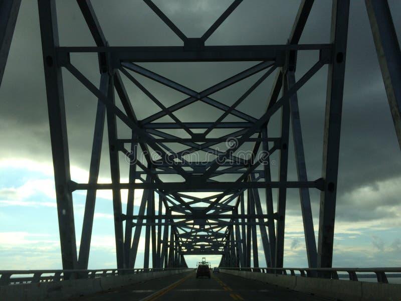 Deleware-Brücken-Bucht und Himmel lizenzfreie stockbilder