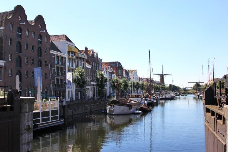Delfshaven widzieć od Piet Heynsbridge, Holandia zdjęcia stock