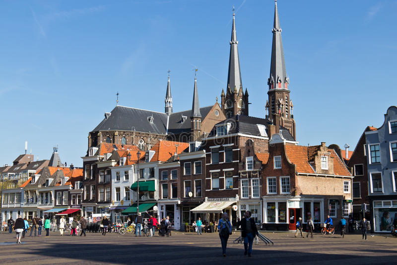 DELFT/NETHERLANDS - 16-ое апреля 2014: Исторический городской центр Делфта стоковое изображение rf