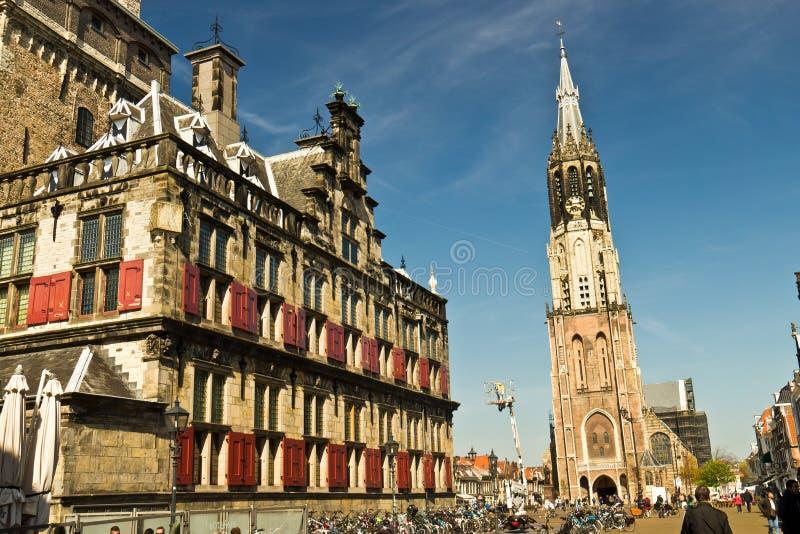 DELFT/NETHERLANDS - 16 avril 2014 : Place historique du marché de Delft photo stock