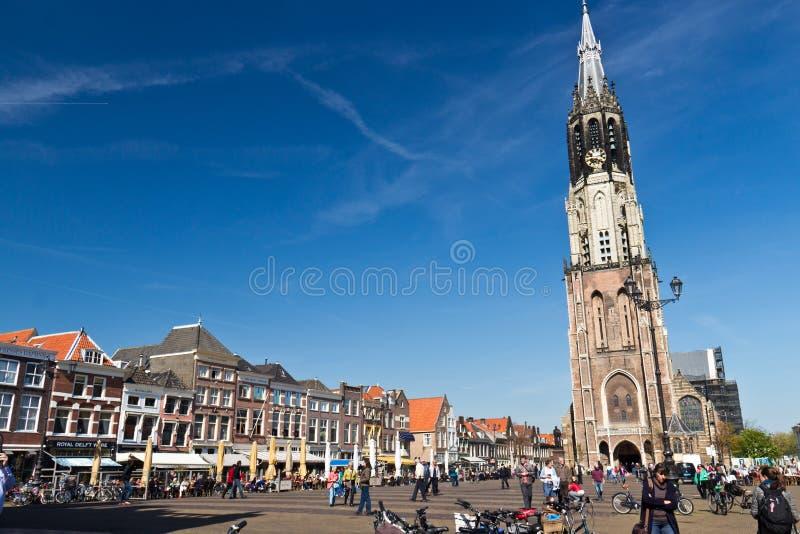 DELFT/NETHERLANDS - 16 avril 2014 : Place historique du marché de Delft photos libres de droits