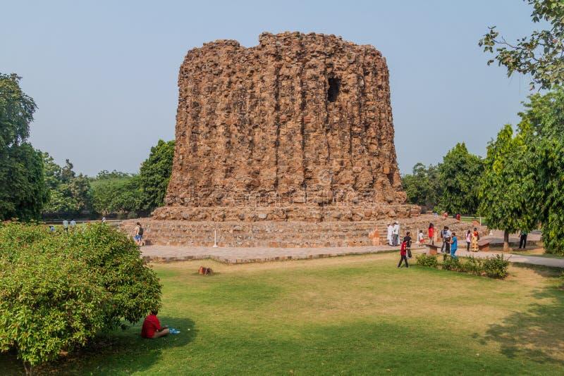 DELHI, INDE - 23 OCTOBRE 2016 : Minaret non fini d'Alai Minar dans le complexe de Qutub à Delhi, Indi photo libre de droits