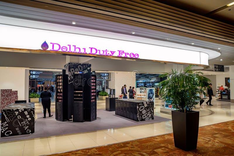 DELHI, INDE - VERS EN NOVEMBRE 2017 : Boutique hors taxe chez Indira Gandhi International Airport image libre de droits