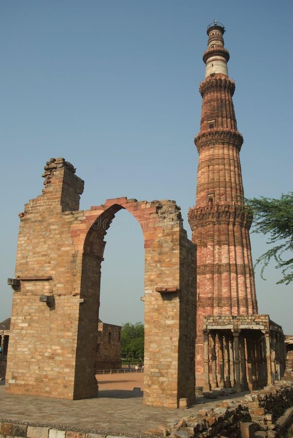 delhi india minar qutab royaltyfria foton