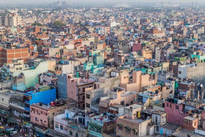 DELHI INDIEN - OKTOBER 22, 2016: Flyg- sikt av gamla Delhi, Indi fotografering för bildbyråer