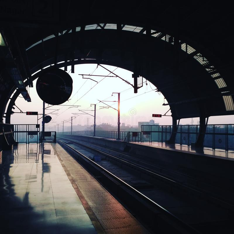 Delhi-Metrobilder stockfotos