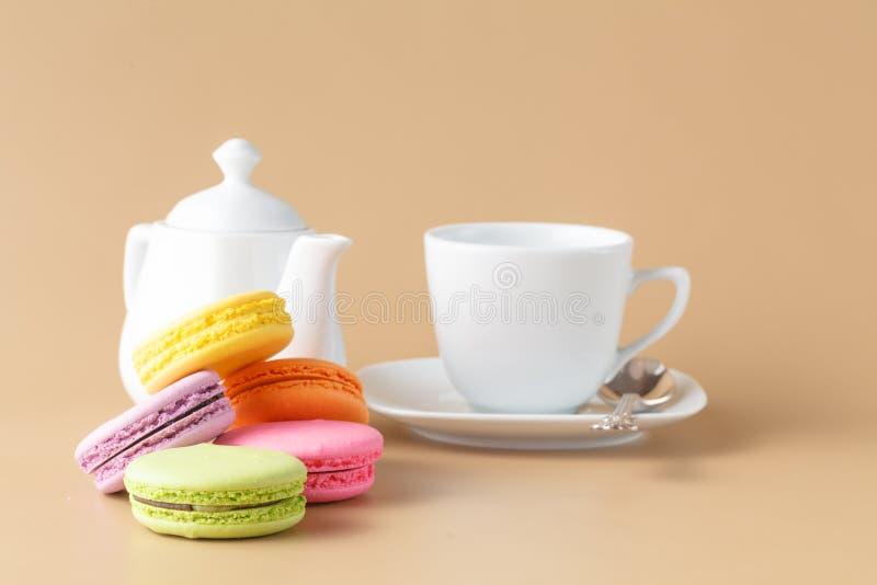 Delicadeza dulce francesa, primer de la variedad de los macarrones foto de archivo