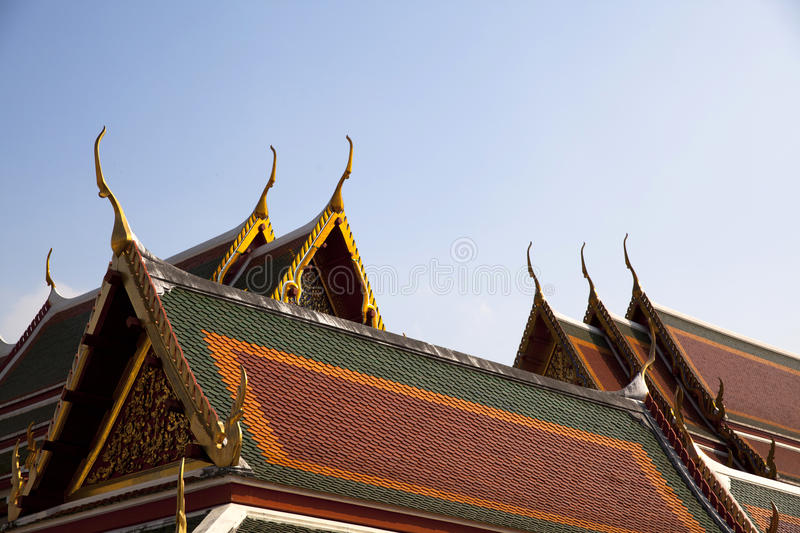 Delicate Thai art roof royalty free stock photos