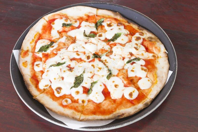 Delicioso da casa fez a pizza foto de stock
