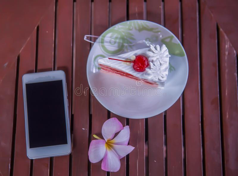 Delicioso y delicioso comer las tortas foto de archivo