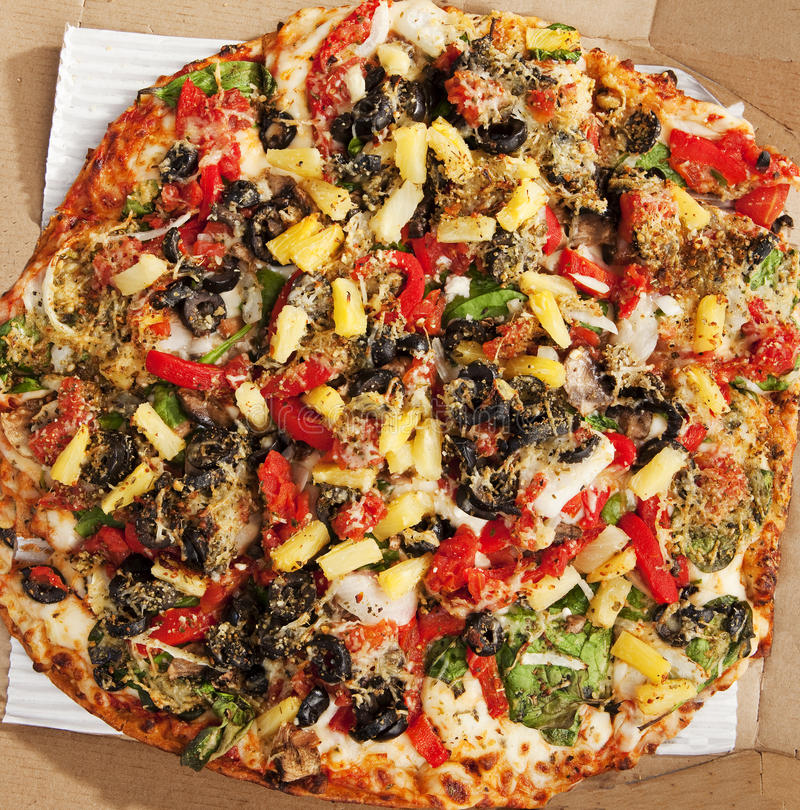 Download Delicious Thin Crust Vegetarian Pizza Royalty Free Stock Image - Image: 12699836