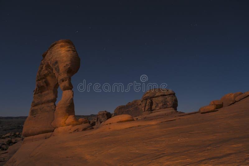 Delikatny łuk przy nocą, Moab Utah obrazy stock