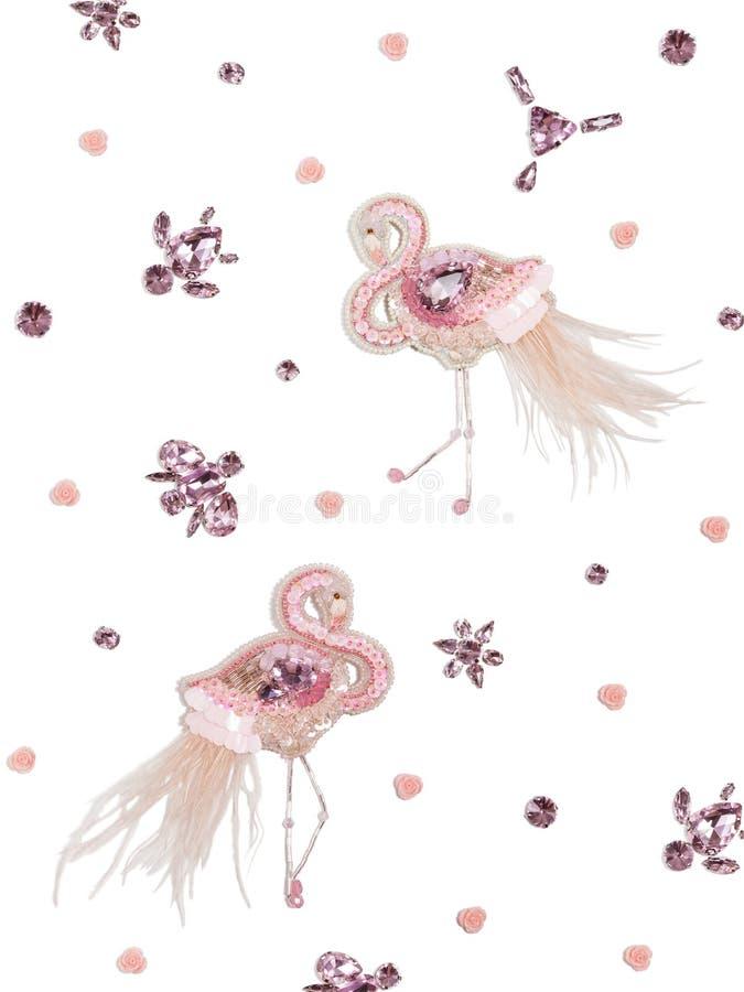 Delikatny biały tło z różowymi handmade flamingami i kryształami zdjęcia stock