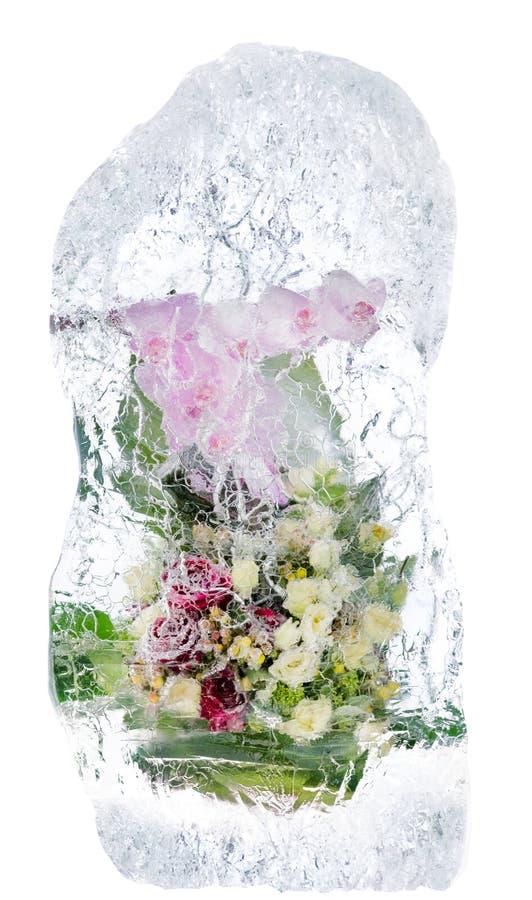 Download Delikatny Bukiet Kwiaty W Lodzie Zdjęcie Stock - Obraz: 30831420