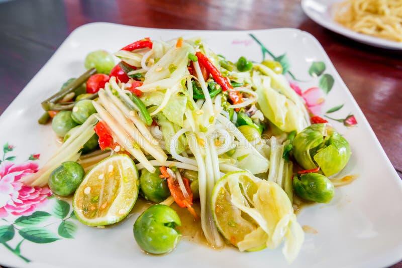 Delizioso piccante della papaia di cucina tailandese verde dell'insalata, SOM TAM fotografie stock