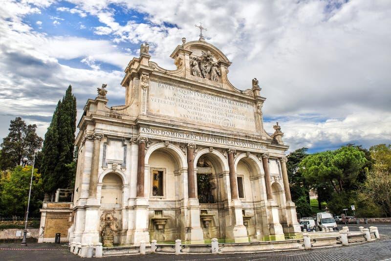 Dell 'Acqua Paola, IL Fontanone de Fontana en la colina de Janiculum en Roma Italia imágenes de archivo libres de regalías