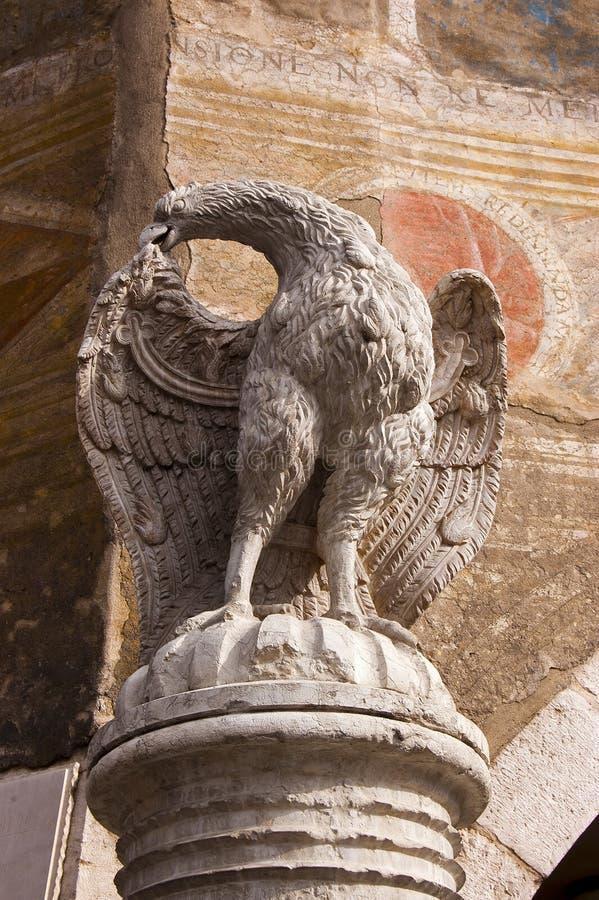 dell'Aquila de Fontana - Trento Italia fotos de archivo