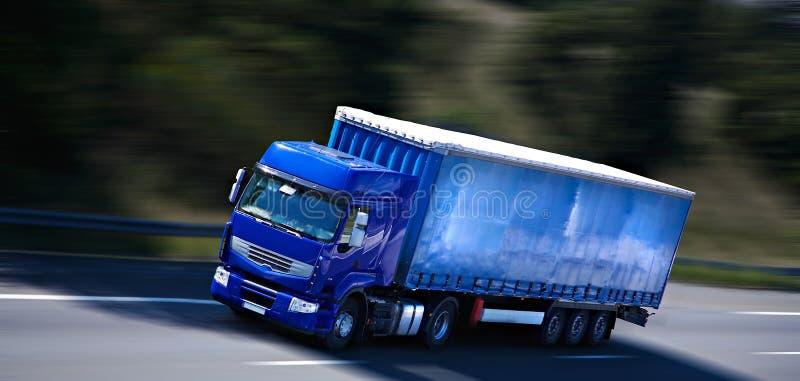 Dell'azzurro camion semi fotografie stock libere da diritti