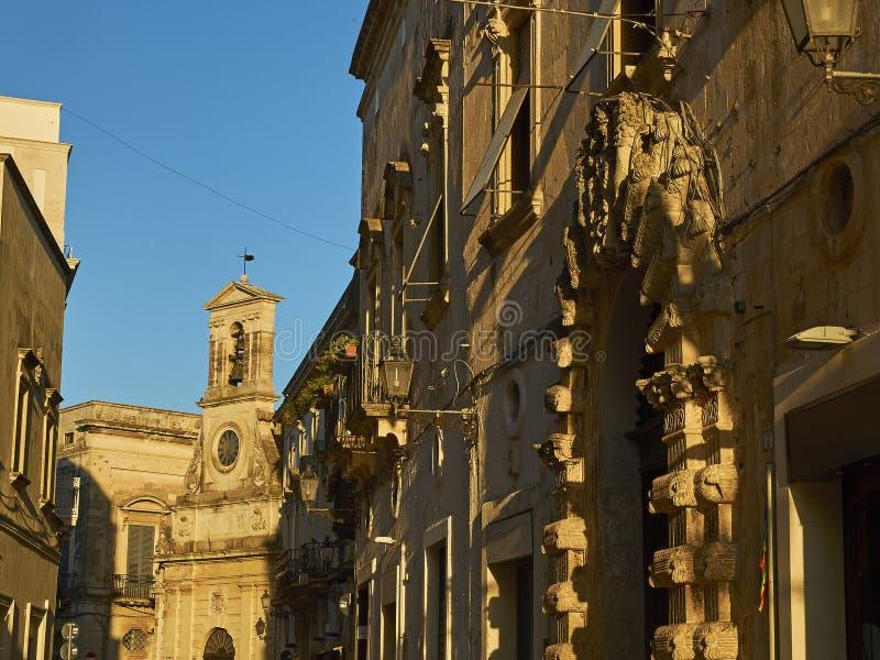 Dell& x27 de Torre ; Orologio dans la rue de Vittorio Emanuele II de Galatina, Pouilles photographie stock