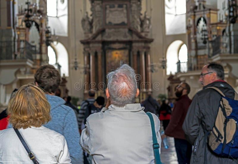 Dell'interno della cattedrale barrocco di Roman Catholic Archdiocese Salisburgo immagine stock libera da diritti