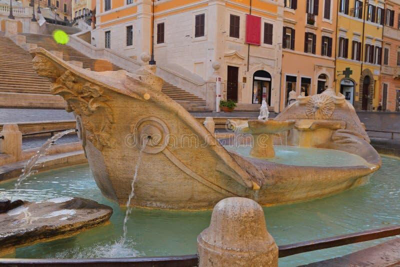Della Barcaccia de Fontana en Piazza di Spagna Roma imagen de archivo