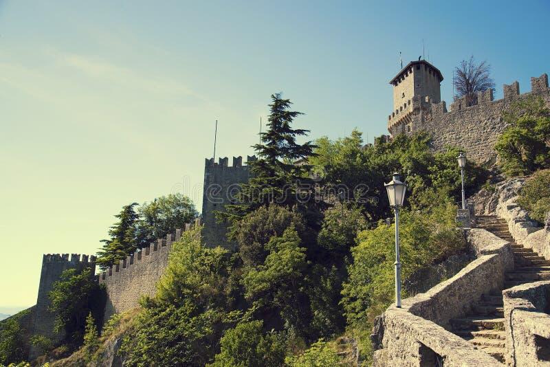 Della Guaita de Rocca, castelo na república de São Marino, Itália fotos de stock