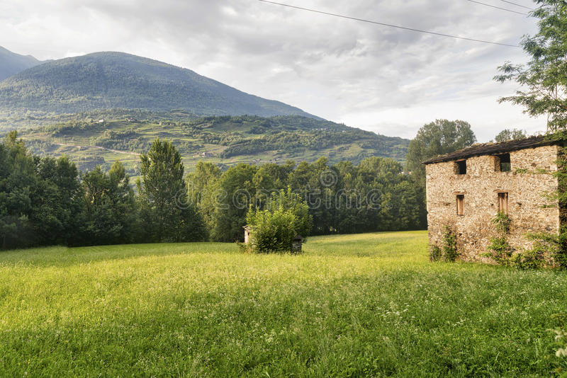 Della la Valteline Lombardie, Italie de Sentiero image stock