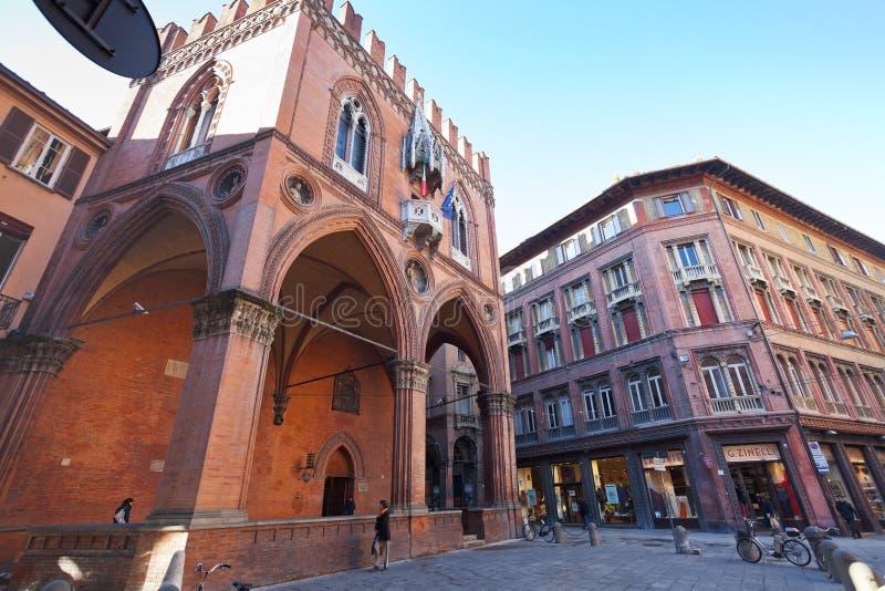 Della Mercanzia van Palazzo in Bologna, Italië stock foto's