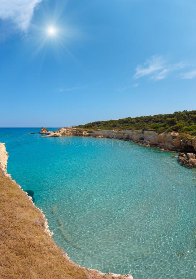Della Punticeddha, Salento, Italia de Spiaggia de la playa del mar de la sol imágenes de archivo libres de regalías