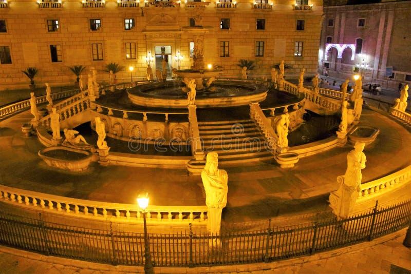 Della Vergogna da praça Pretoria ou da praça, Palermo, Sicília imagens de stock royalty free