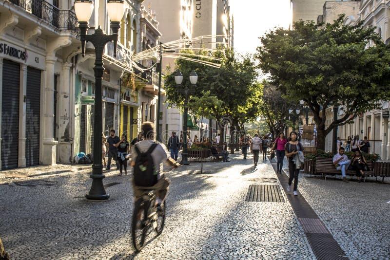 Della via città dentro di Curitiba fotografia stock libera da diritti