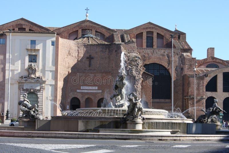 Delle Naiadi de Fontana dans Piazza de la République Beaux vieux hublots à Rome (Italie) photos libres de droits