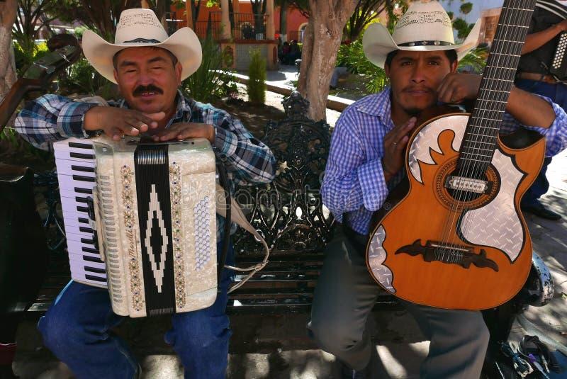 Delores Hidalgo, 10 Mexico-Januari, 2017: Mariachimusici stock foto