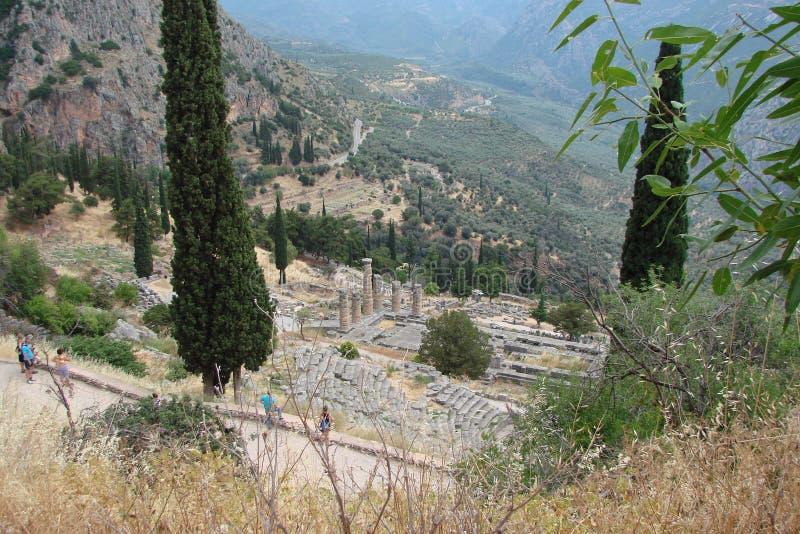 Delphi miasteczko Grecja 06 17 2014 Ruiny starożytny grek architektura blisko miasteczka Delphi w południe Grecja zdjęcia royalty free