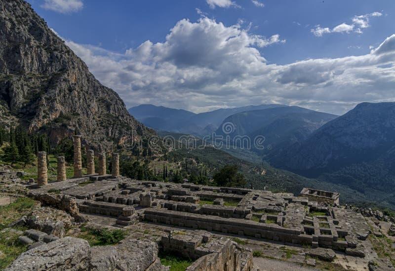 Delphi, Phocis/Griekenland: De tempel van de oude Griekse god Apollo in Delphi stock foto's