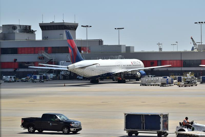 Delta Airlines em ATL imagens de stock royalty free
