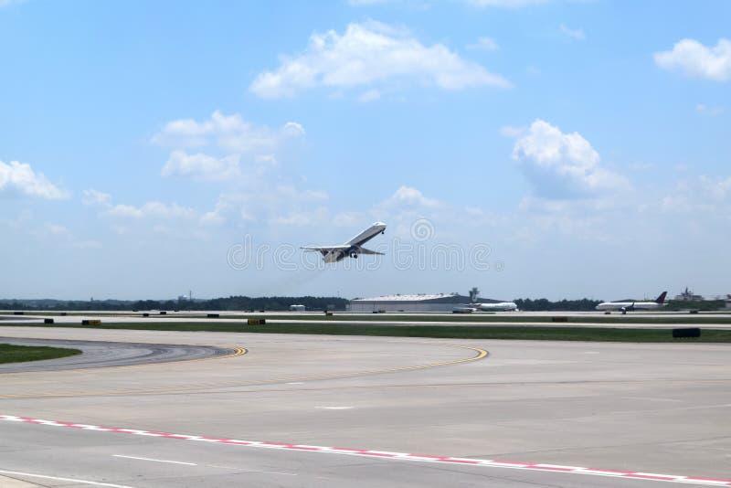 Delta Airlines em ATL fotografia de stock royalty free