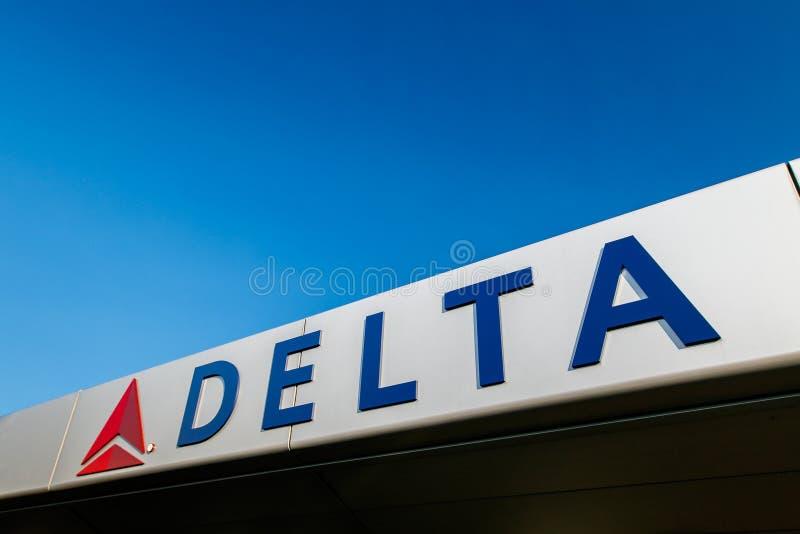 Delta Airlines tecken fotografering för bildbyråer