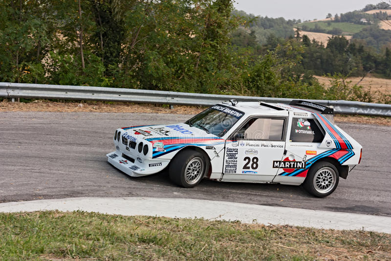 Delta S4 de Lancia del coche de competición del vintage fotografía de archivo