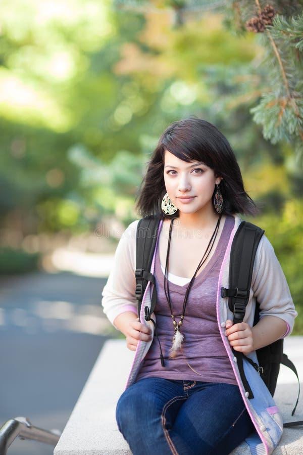 deltagare för blandad race för högskola royaltyfria bilder